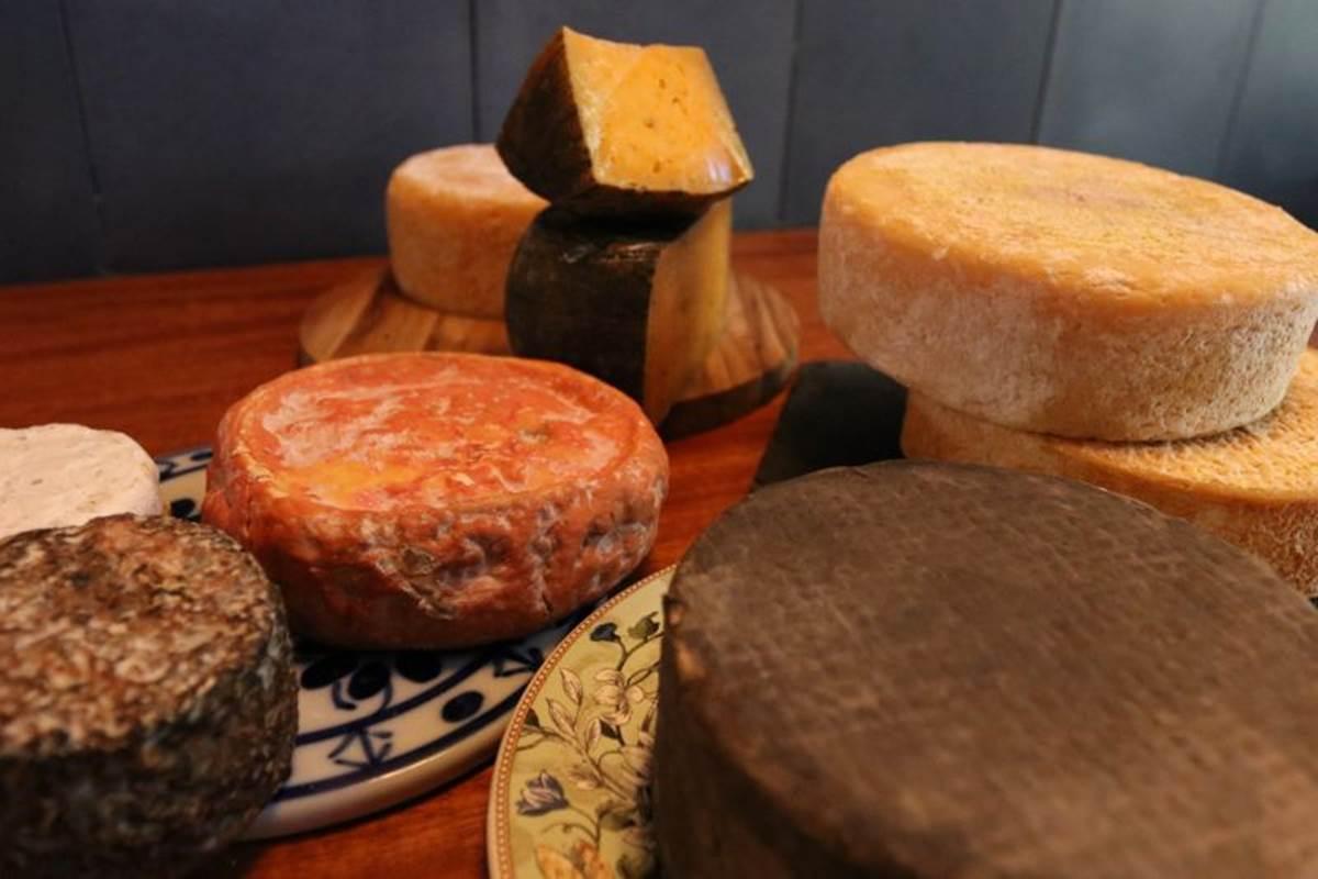 19/06/2018. Crédito: Arthur Menescal/Esp.CB/D.A. Press. Brasil. Brasília - DF. Favas Contadas. Especialistas em queijo artesanal. Teta Cheese Bar, lojinha de queijo na 103 sul.