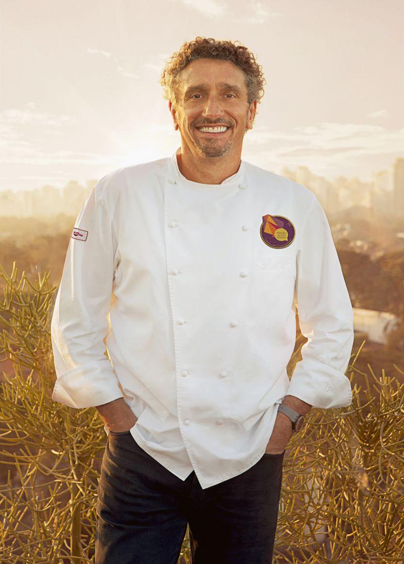 19/07/2012. Crédito: F/Nazca/Divulgação. Chef Emmanuel Bassoleil, escolhido para criar a receita do macarrão instantâneo preparado no espaço.
