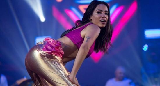 Anitta comanda a própria carreira com personalidade