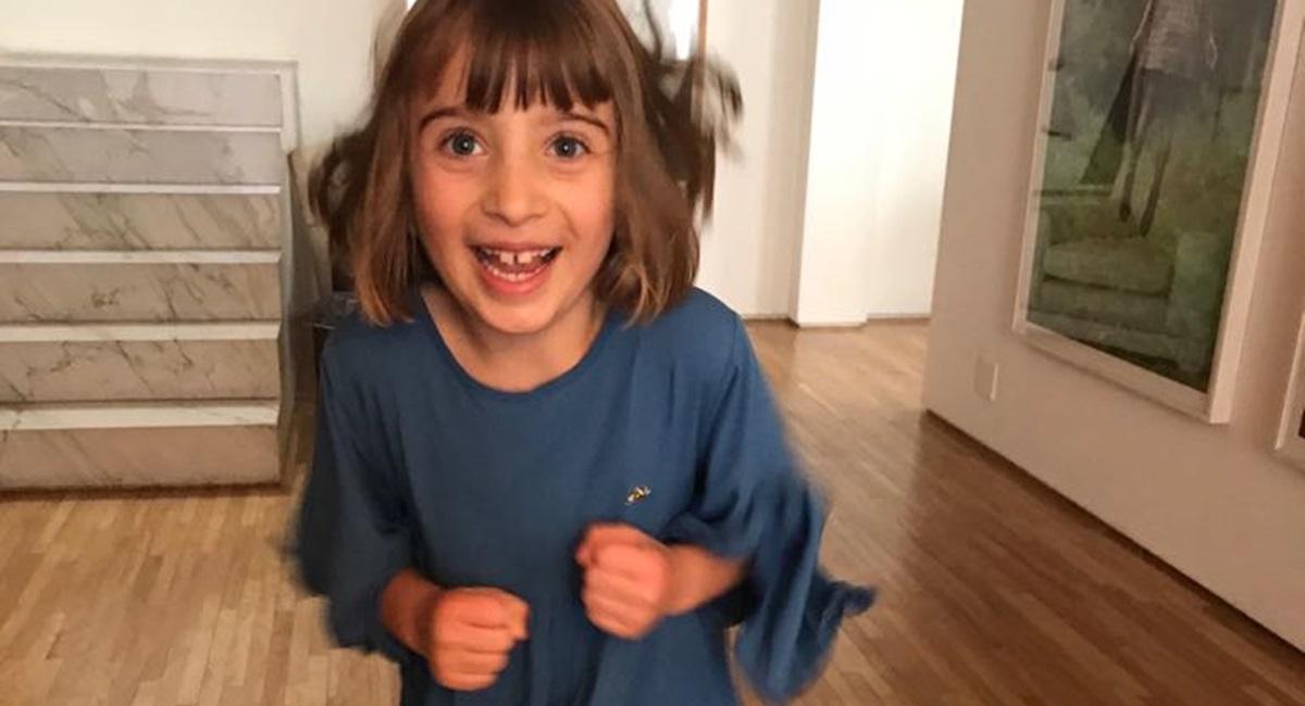 Crianças felizes e educadas alegram as férias
