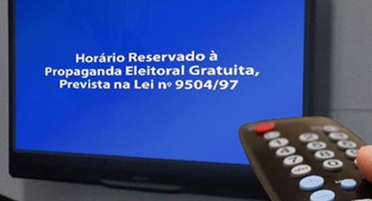 Os candidatos deveriam, pelo menos, tomar cuidado com o português na propaganda política