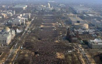 Do frio a uma presença especial: 5 diferenças entre posses de Obama e Trump