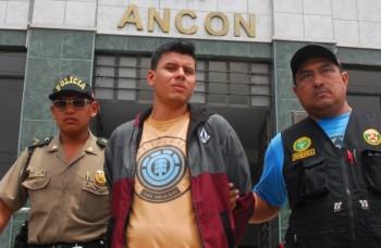 Detento aproveita visita de irmão gêmeo para roubar sua identidade e fugir da cadeia