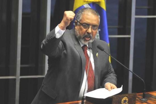 O deputado Paulo Paim é o autor da proposta