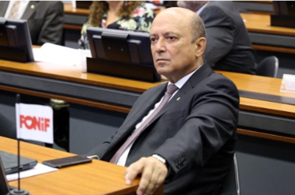 Coimbra: exigências além das relativas à qualificação para o cargo são inconstitucionais. Foto: Antonio Augusto / Câmara dos Deputados