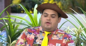 O humor de Matheus Ceará  está presente no programa A praça é nossa