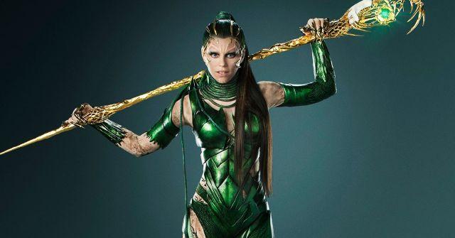 Elizabeth Banks interpreta a Rita Repulsa do filme Power Rangers