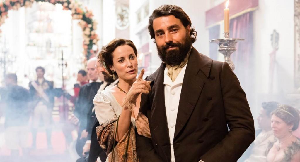 Maria João e Ricardo Pereira como Letícia e Ferdinando na novela Novo Mundo.