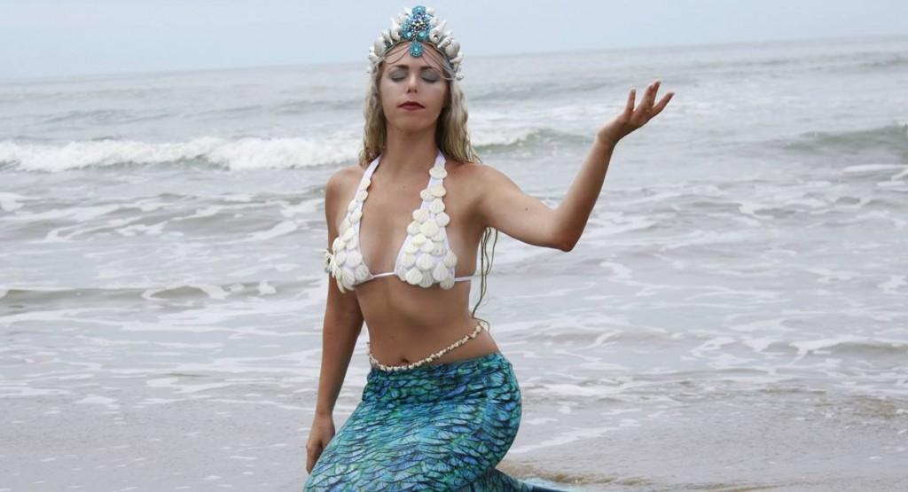 Sereia profissional Mirella Ferraz