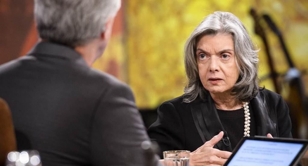 Bial conversou com a mulher e não com a ministra Cármen Lúcia