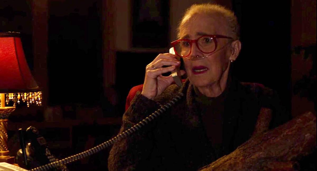 O que sabe essa senhora? Esse é um dos mistérios de Twin Peaks