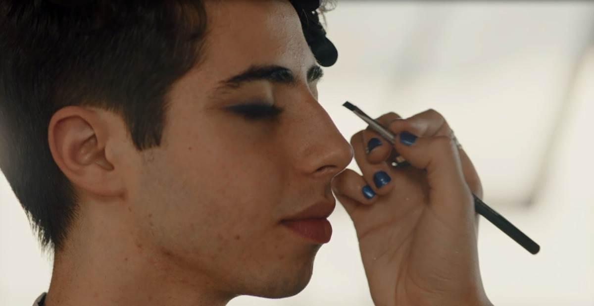 Cena de documentário com temática LGBT