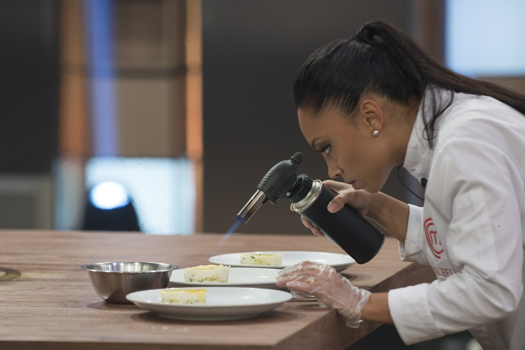 Michele finaliza sua sobremesa na final do MasterChef.