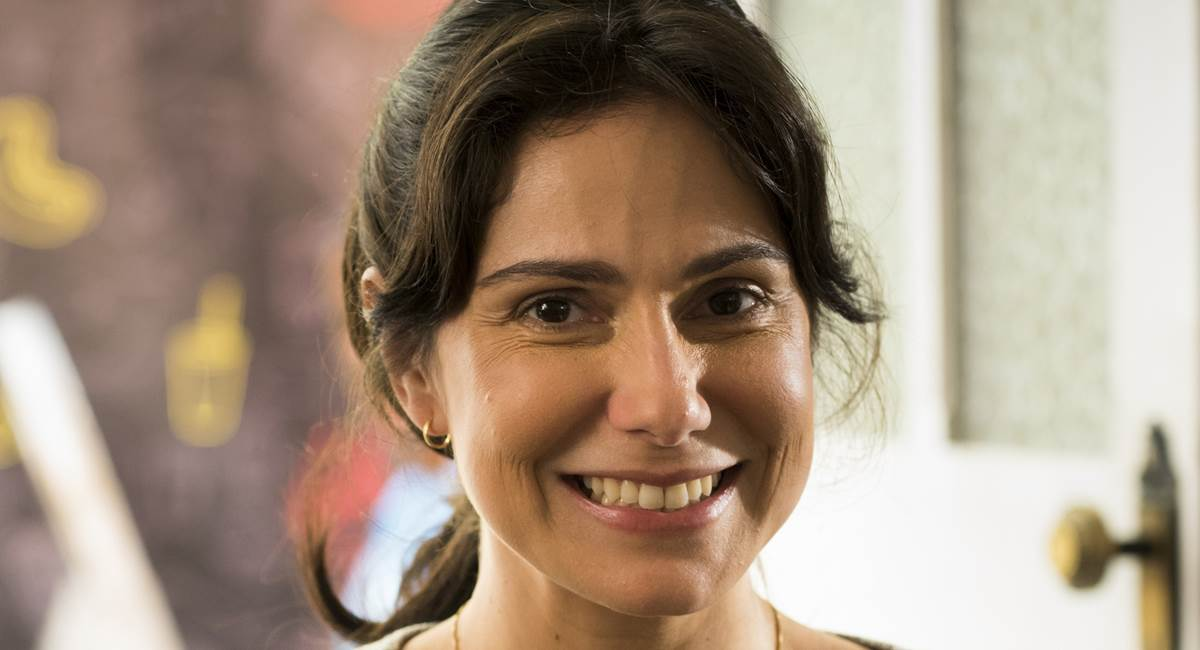 Aline Fanju interpreta Josefine em Malhação Viva a Diferença