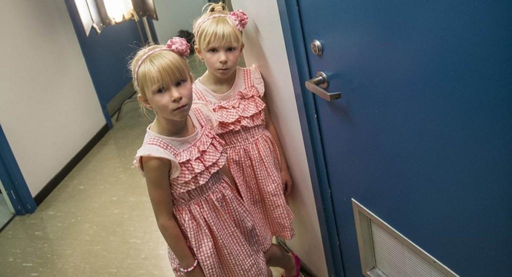 O sucesso das gêmeas Mary-Kate e Asley Olson teria incomodado o elenco de Três é demais
