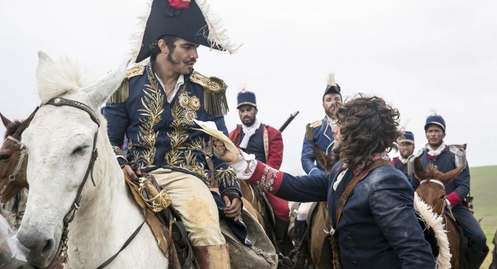 Caio Castro é um dos destaques das cenas de independência em Novo mundo