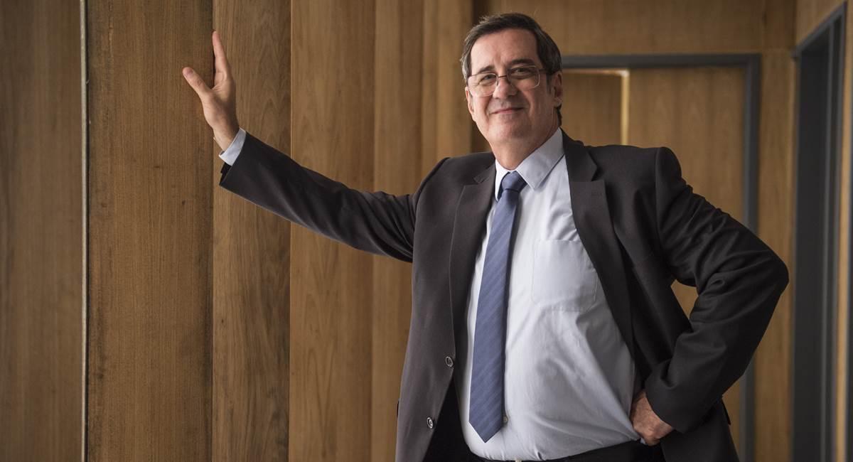 Junqueira, de A força do querer, marca os 35 anos de carreira de João Camargo