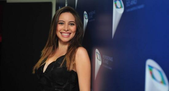 Marcela Monteiro se emocionou ao entrevistar Roberto Carlos