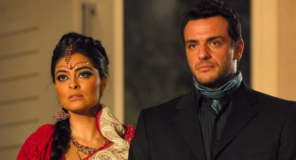 Casal fofo Maya e Raj salvou Caminho das Índias