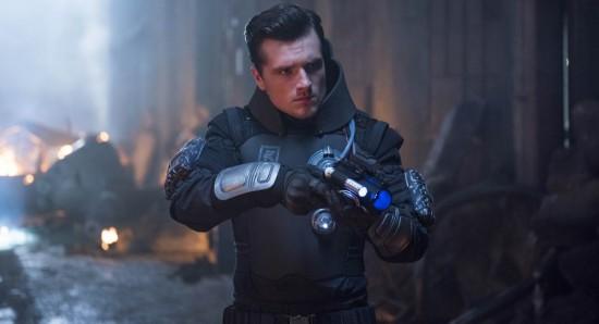 Josh Hutcherson na série Future man, da Fox Premium