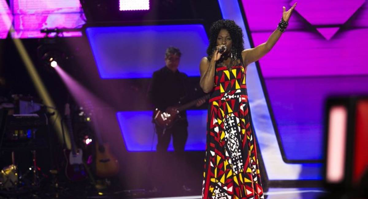 Dhi Ribeiro levou música brasileira ao palco do The voice