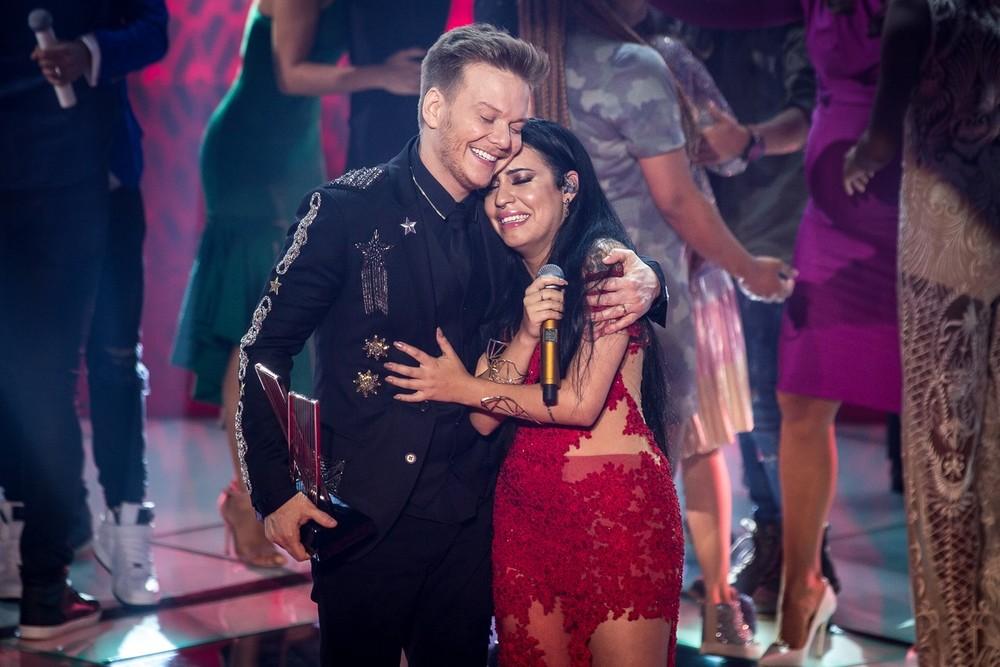 Michel Teló e Samantha na final do The voice Brasil