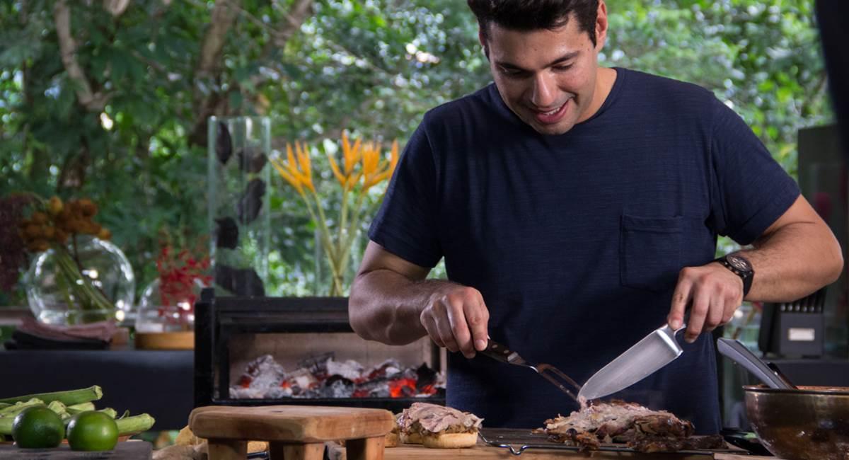 Felipe Bronze leva tudo à brasa no Perto do fogo.
