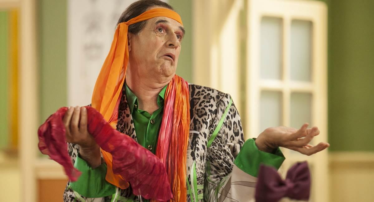 Marcos Caruso brilha como Seu Peru em Escolinha do Professor Raimundo