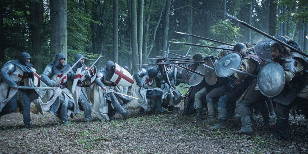 Cena da série Knightfall - A guerra do Santo Graal
