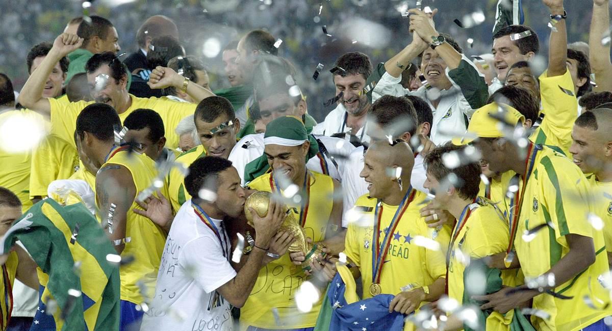 Crédito: Hipólito Pereira / Agência O Globo. Brasil na Copa de 2002