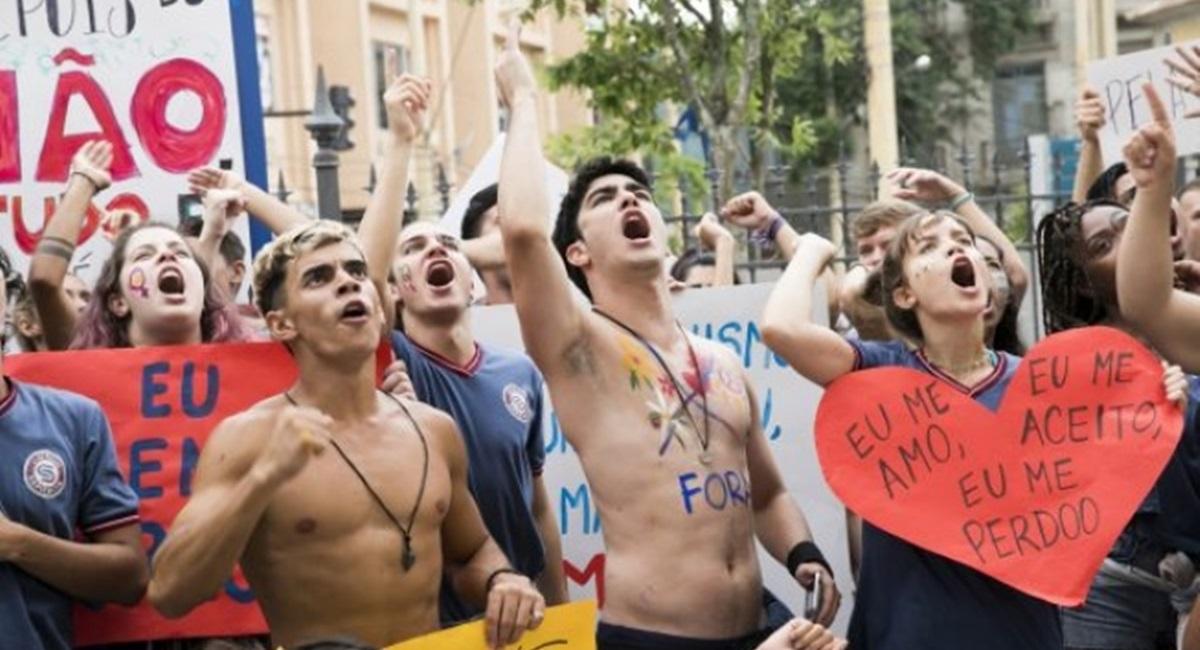 Protesto dos estudantes do Sapiência contra professor foi ponto alto em Malhação