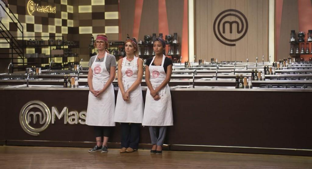 Depois de cozinhar mal, Angélica, Brissa e Eliane viram a eliminação de perto