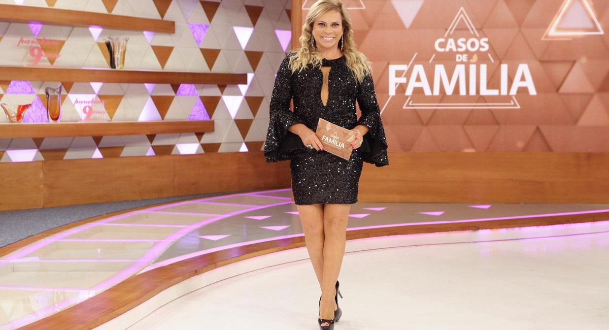 """Christina Rocha: """"O importante é a gente fazer um programa como Casos de família, que dá ibope e as pessoas gostam"""""""