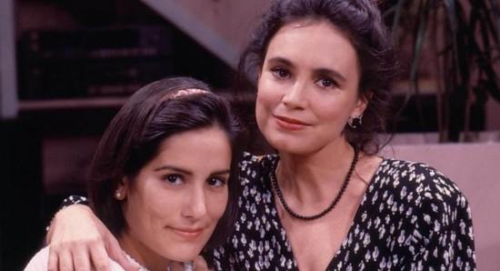 Crédito: Bazilio Calazans/TV Globo. Atriz Glória Pires e atriz Regina Duarte nos bastidores eram mãe e filho em Vale Tudo.