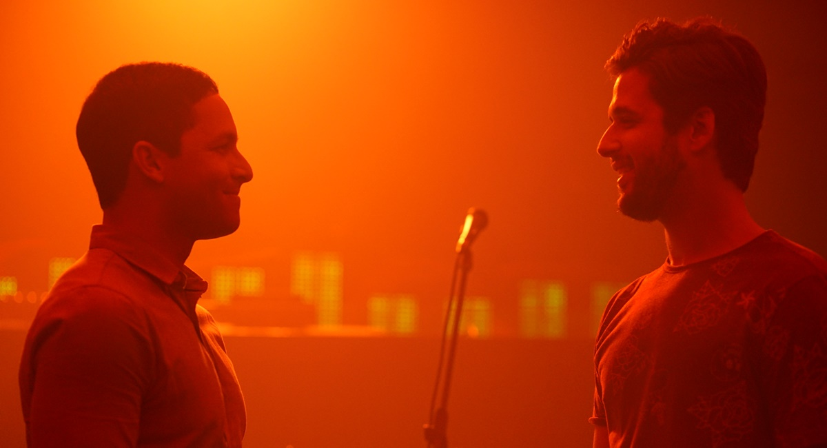 Rainer Cadete e Gil Coelho em (Des)Encontros. Crédito: Sony/Divulgação