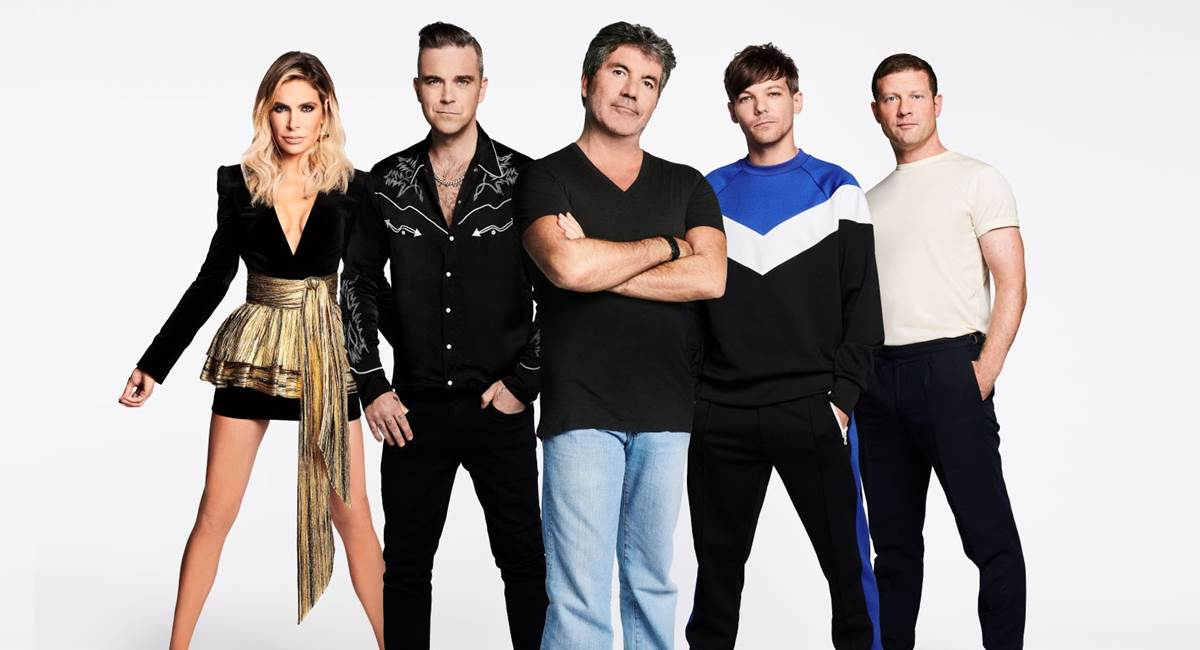 Ayda Williams, Robbie Williams, Simon Cowell, Louis Tomlinson e Dermot O'Leary. Crédito: Sony/Divulgação