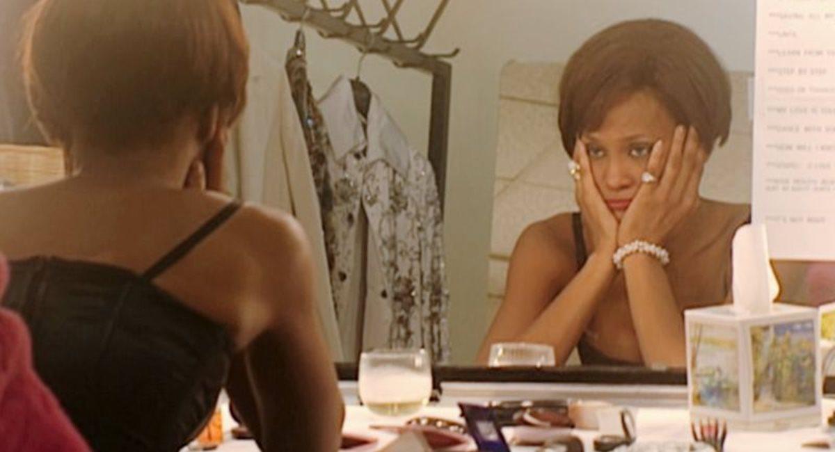 Os altos e baixos da vida de Whitney Houston são retratados em Can I be me