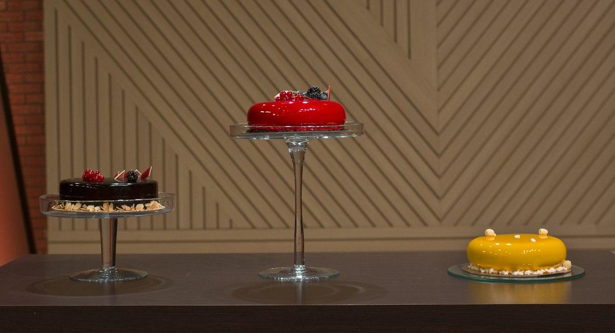 Fazer bolo espelhado era o desafio dos chefs que disputam o MasterChef