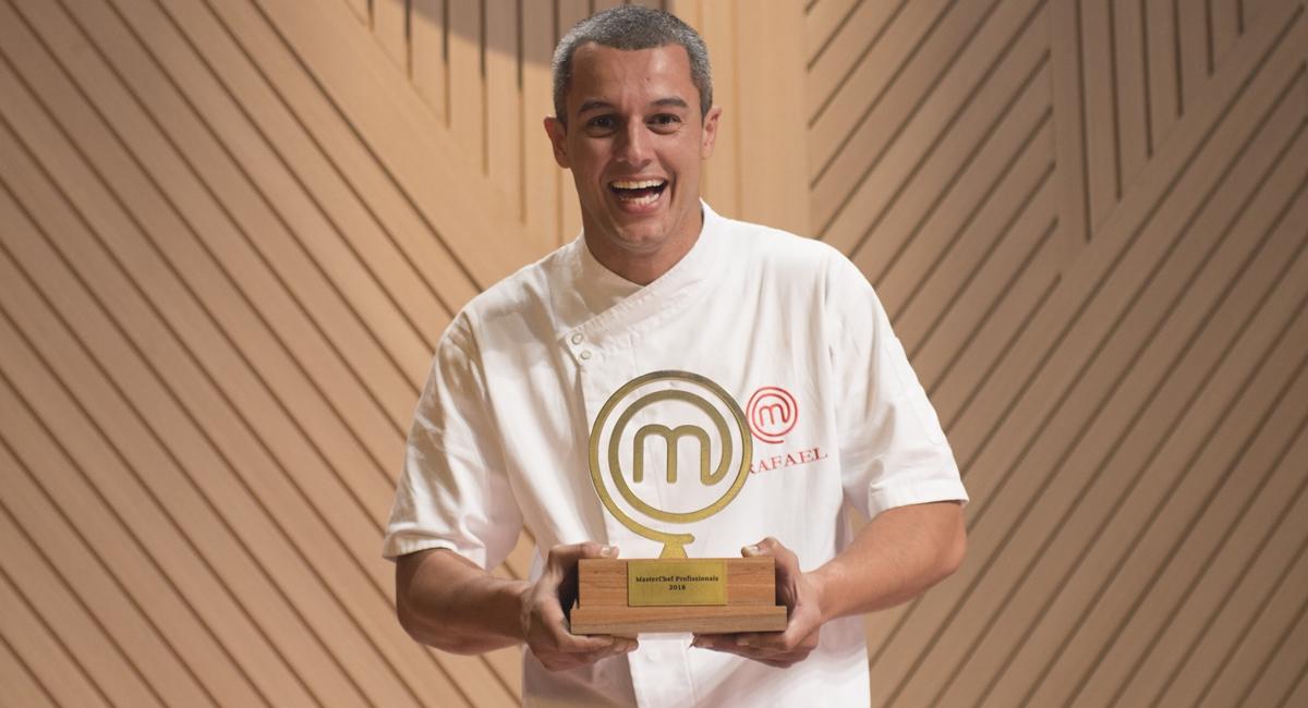 Rafael levou o título do MasterChef Profissionais para casa