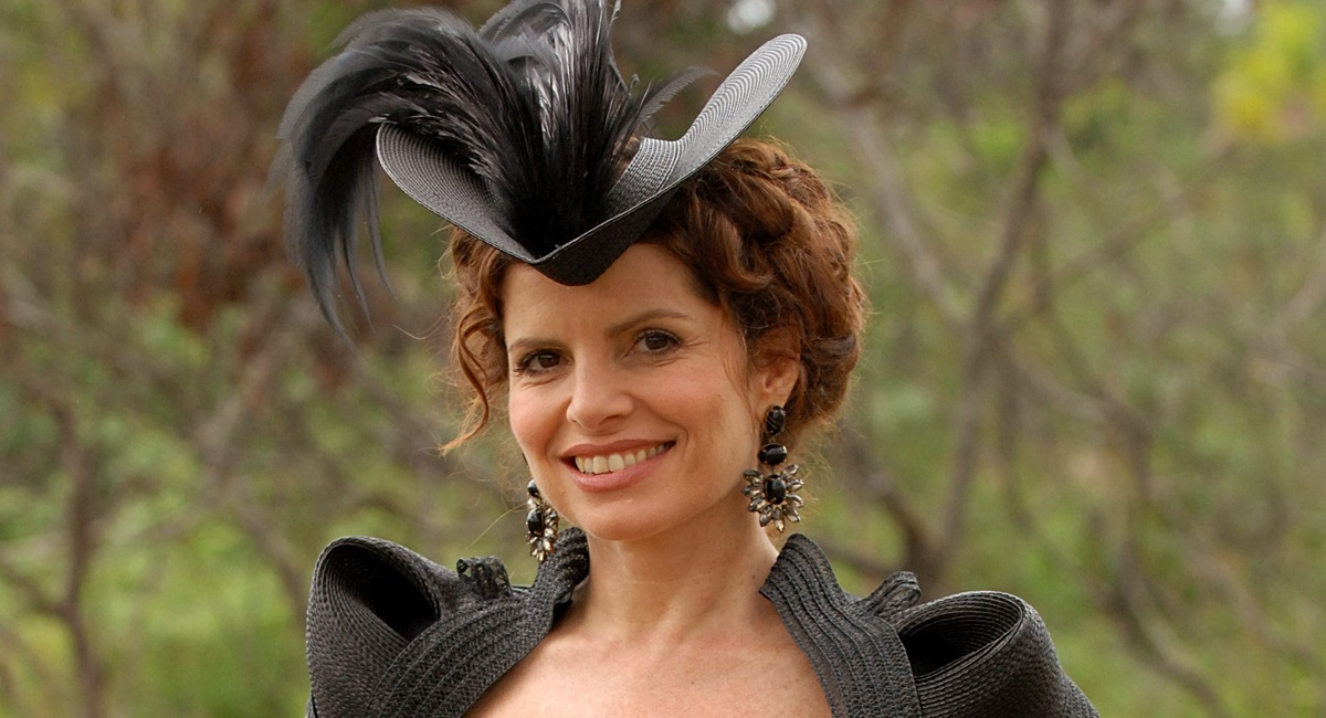 Débora Bloch como Úrsula em Cordel encantado