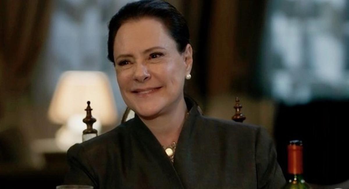 Elizabeth Savalla como Mirtes em O sétimo guardião
