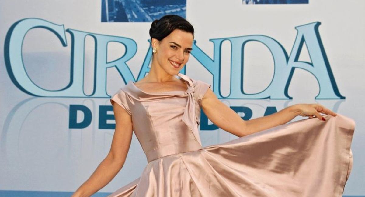 Atriz Ana Paula Arosio nos bastidores da novela Ciranda de Pedra.