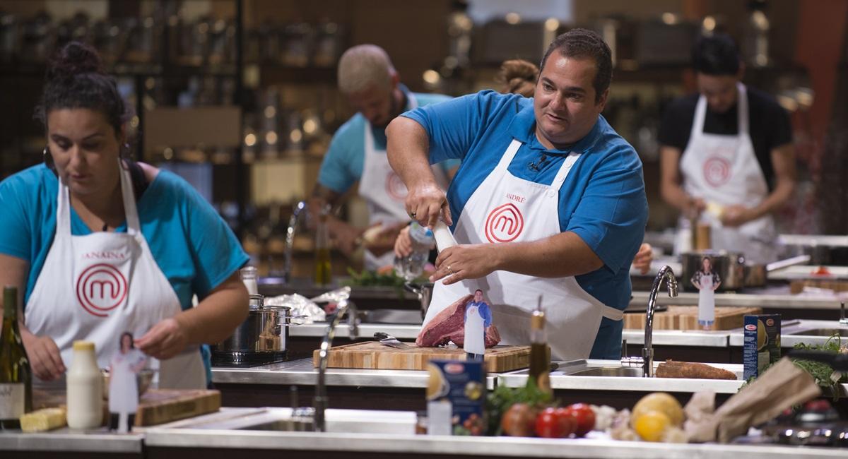 André cozinha no MasterChef