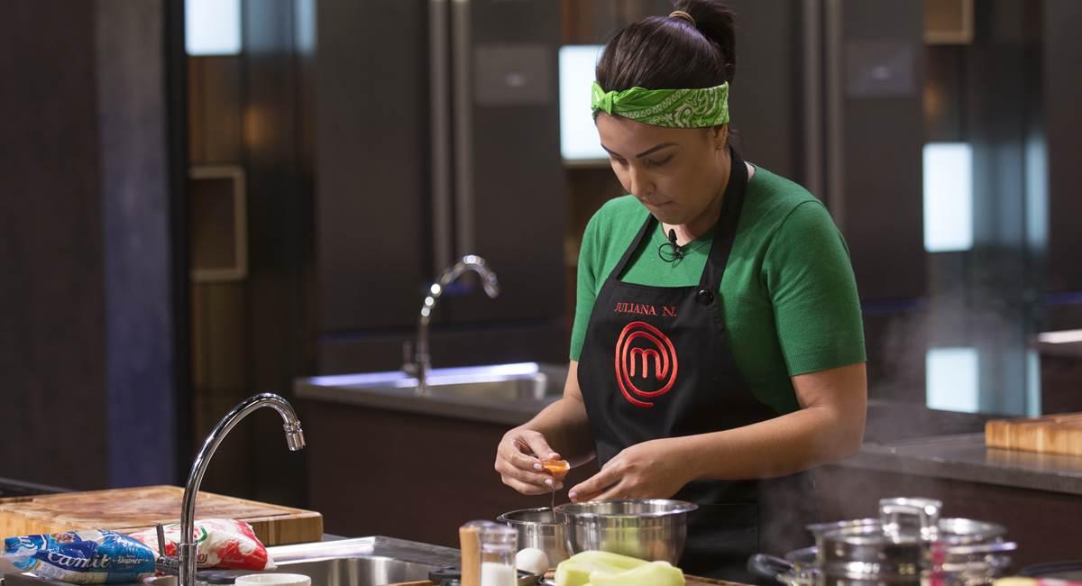 Juliana cozinha no MasterChef