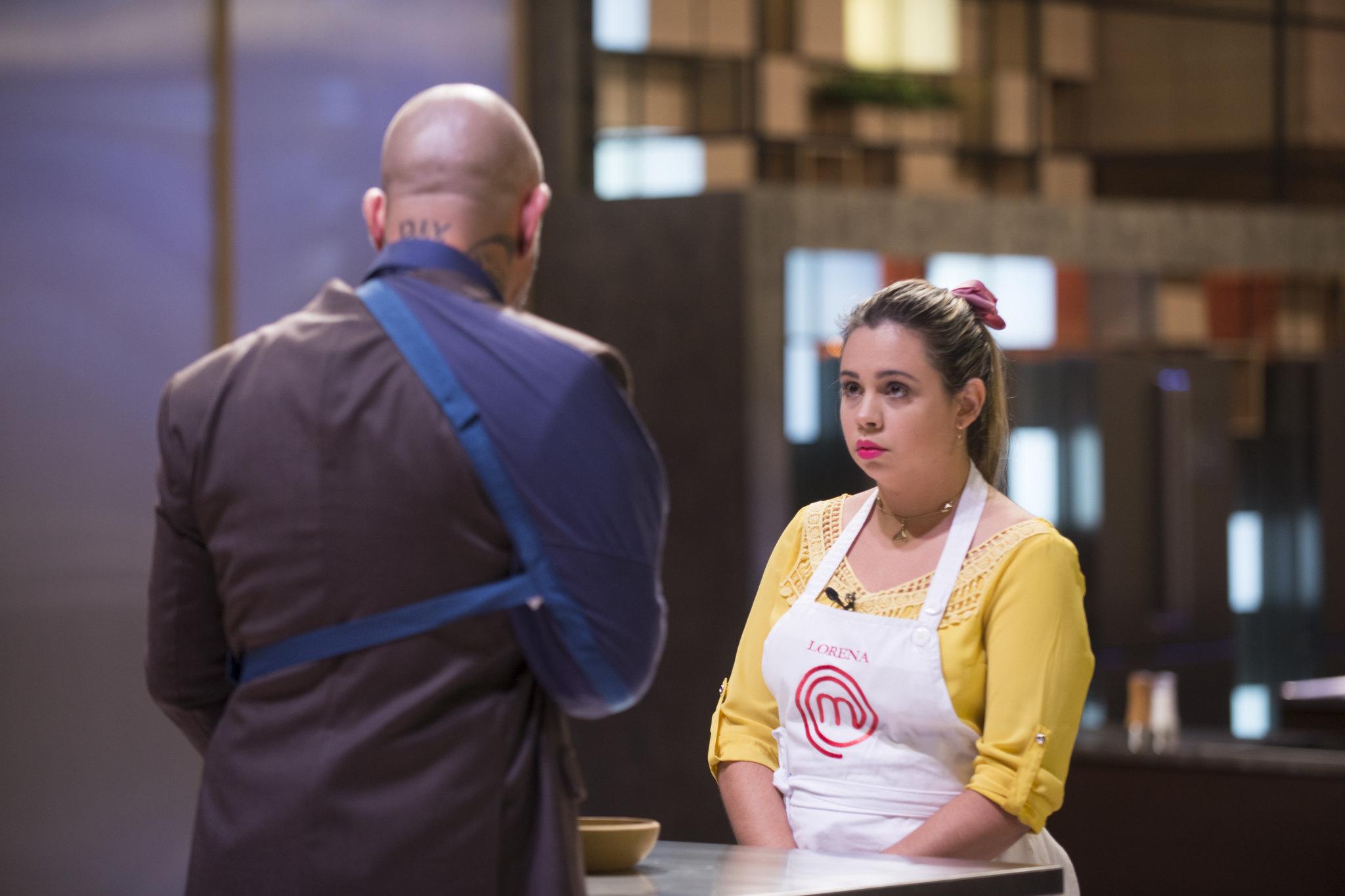 Lorena é avaliada no MasterChef