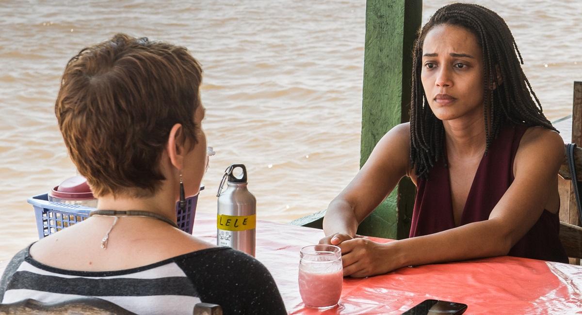 Leandra Leal e Taís Araújo em cena do seriado Aruanas