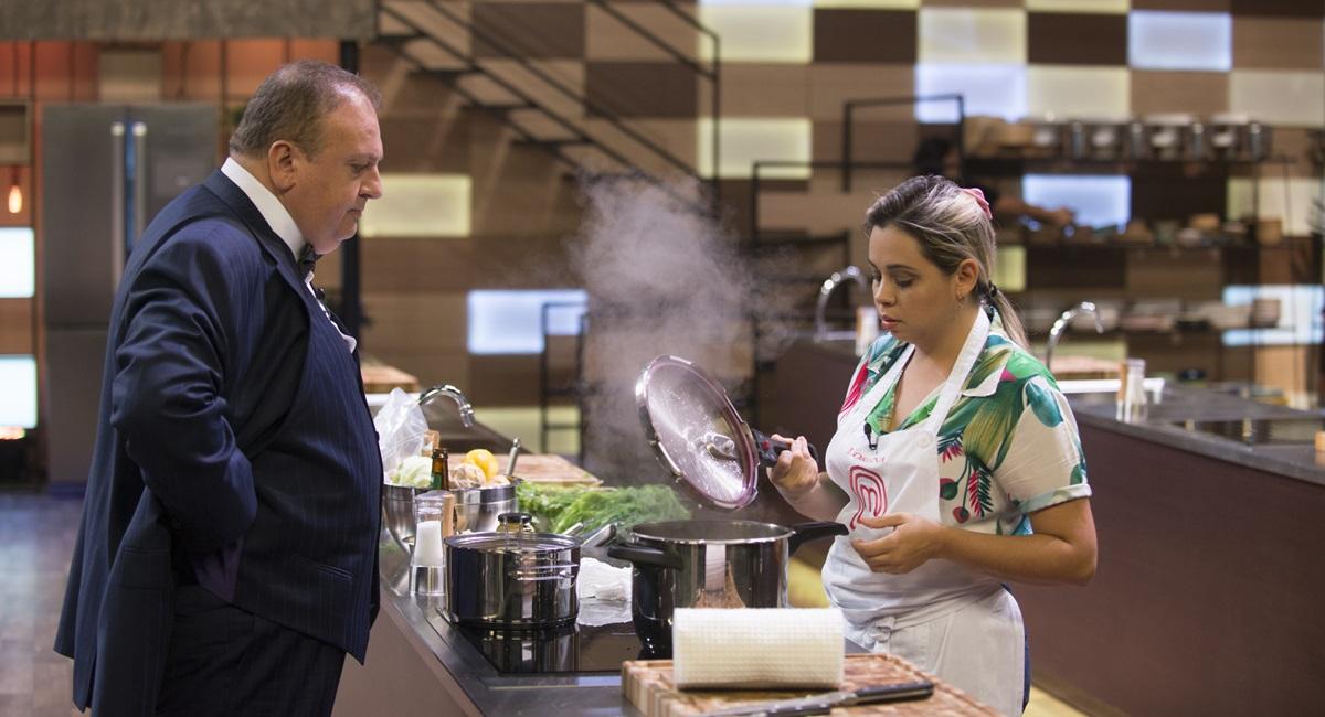 Lorena cozinha no MasterChef