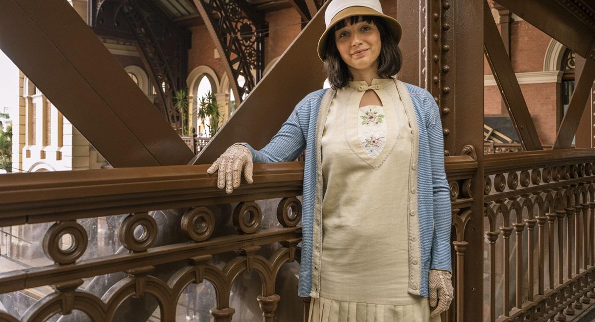 Globo/Divulgação. Simone Spoladore como Clotilde em Éramos seis