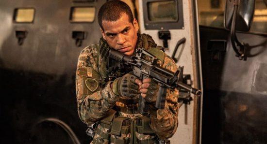 Marcelo Melo Jr. vive o protagonista de Arcanjo renegado