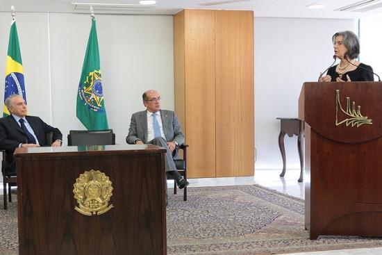 Os presidentes Michel Temer (República), Carmen Lúcia (CNJ) e Gilmar Mendes (TSE)